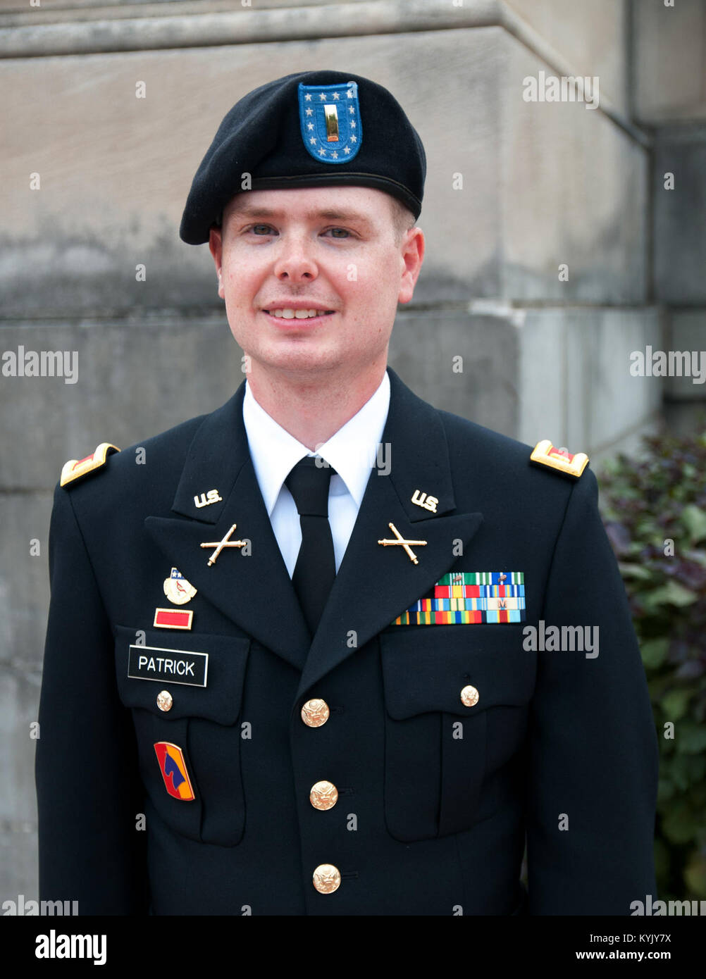 army officer candidate school essay Why i want to become an army warrant officer dear captain , the united states army is one of the main factors that allows america to be a free and democratic country the army defends, protects, and honors the united states of america.