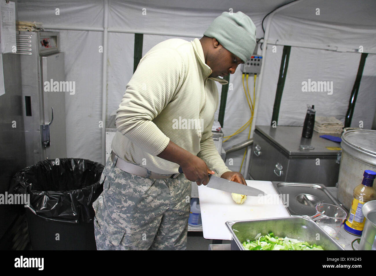 Spc. Dominque Hutson with the 2112th Mess Team competes in the Department of the Army's Phillip A. Connelly - Stock Image