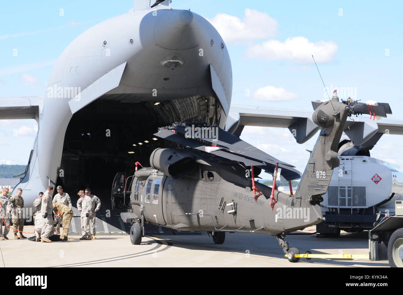 Soldiers of the Kentucky Army National Guard's 63rd Theater Aviation Brigade's UH-60 Blackhawk into the hull of - Stock Image