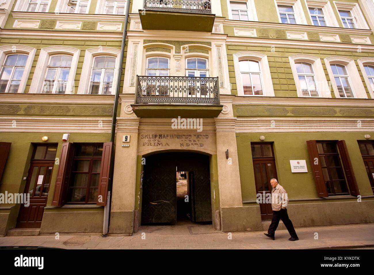 Vilnius surnomme 'la Jerusalem du Nord'.  Ancien magasin, Vilnius, Lituanie *** An old shop in Vilnius also - Stock Image