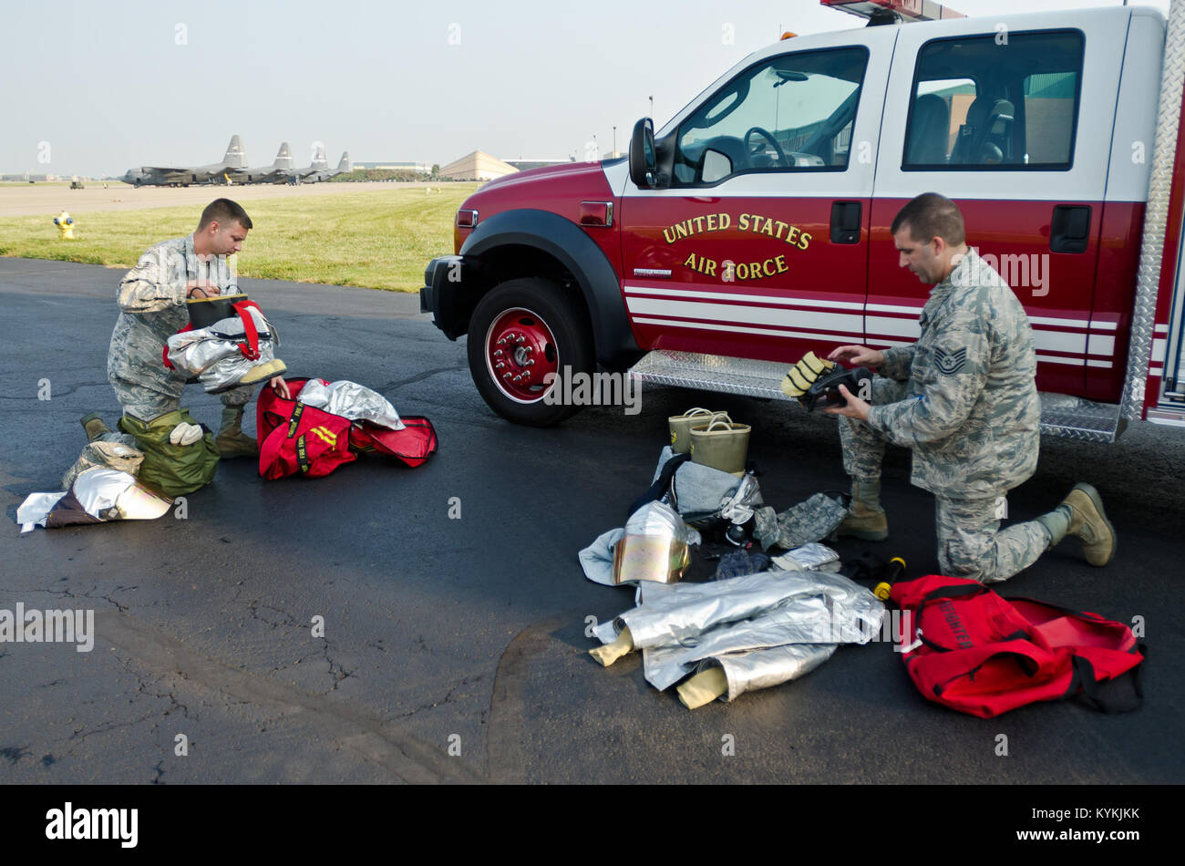 Staff Sgt. Kyle Miller (left) and Tech. Sgt. Dewayne Gibson, fire protection craftsmen from the 123rd Civil Engineer - Stock Image