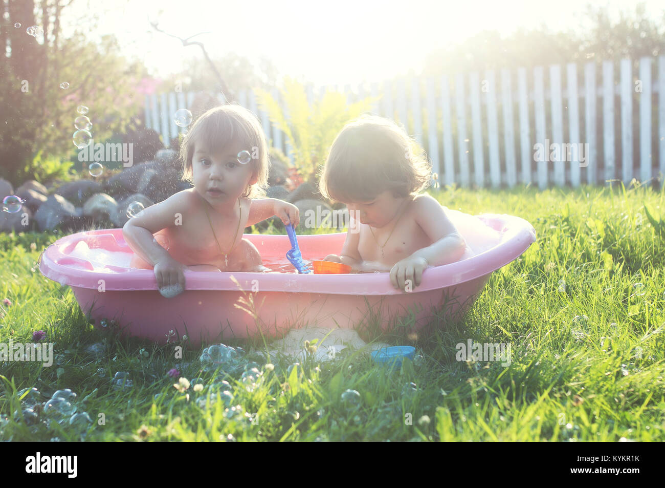 Kids Bath Sponge Stock Photos & Kids Bath Sponge Stock Images - Alamy