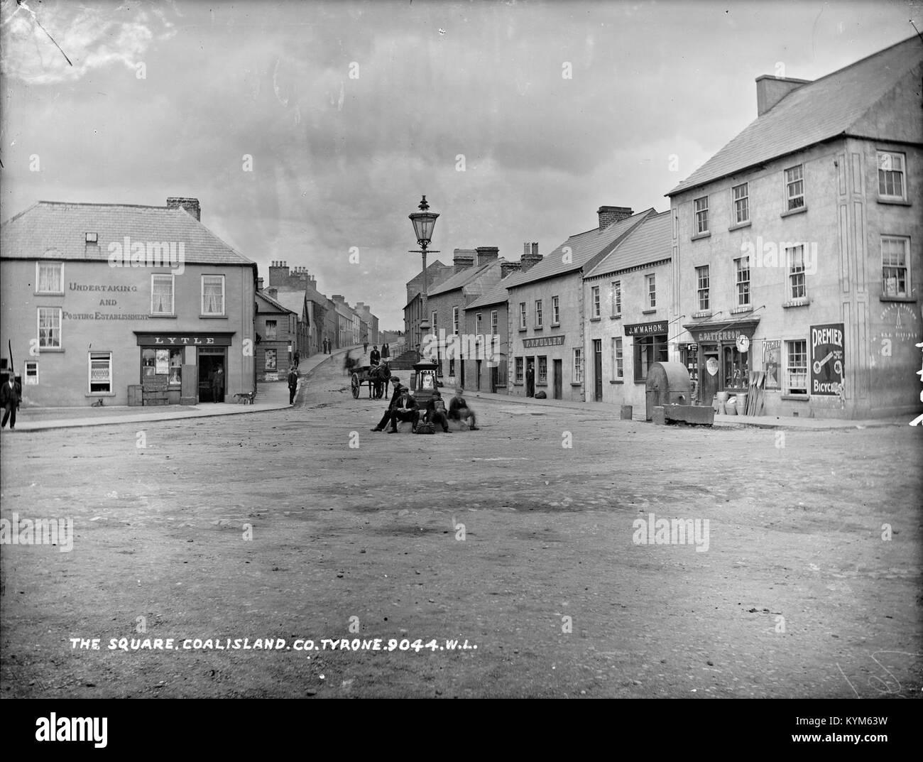 Square, Coalisland, Co Tyrone 37530514930 o - Stock Image