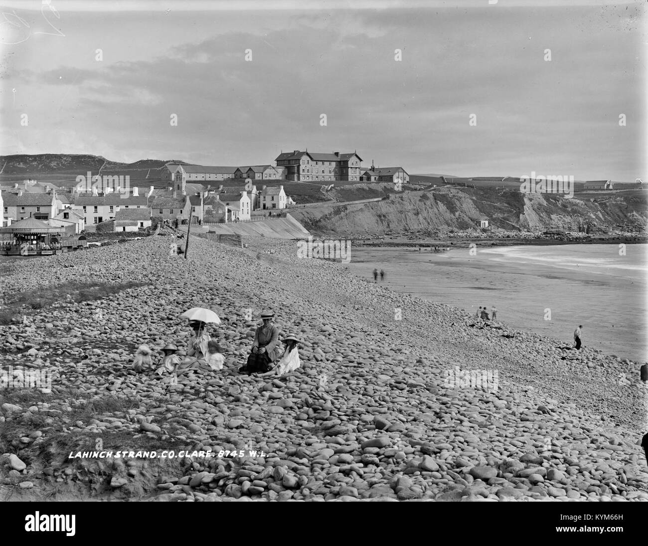 Strand, Lahinch, Co Clare 27720256349 o - Stock Image