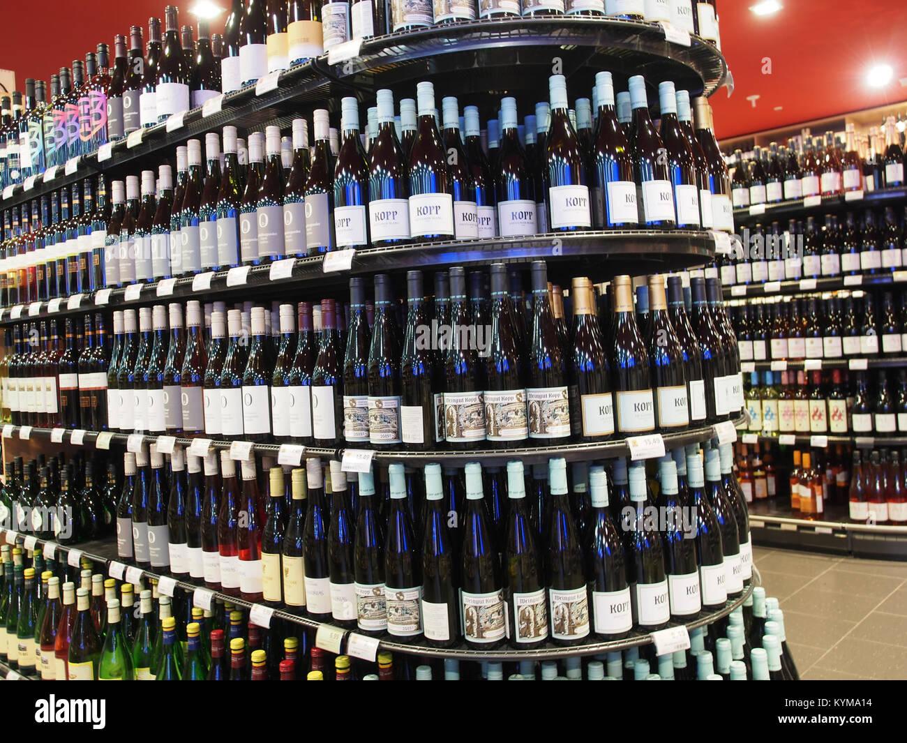Alkoholische Getränke Stock Photos & Alkoholische Getränke Stock ...