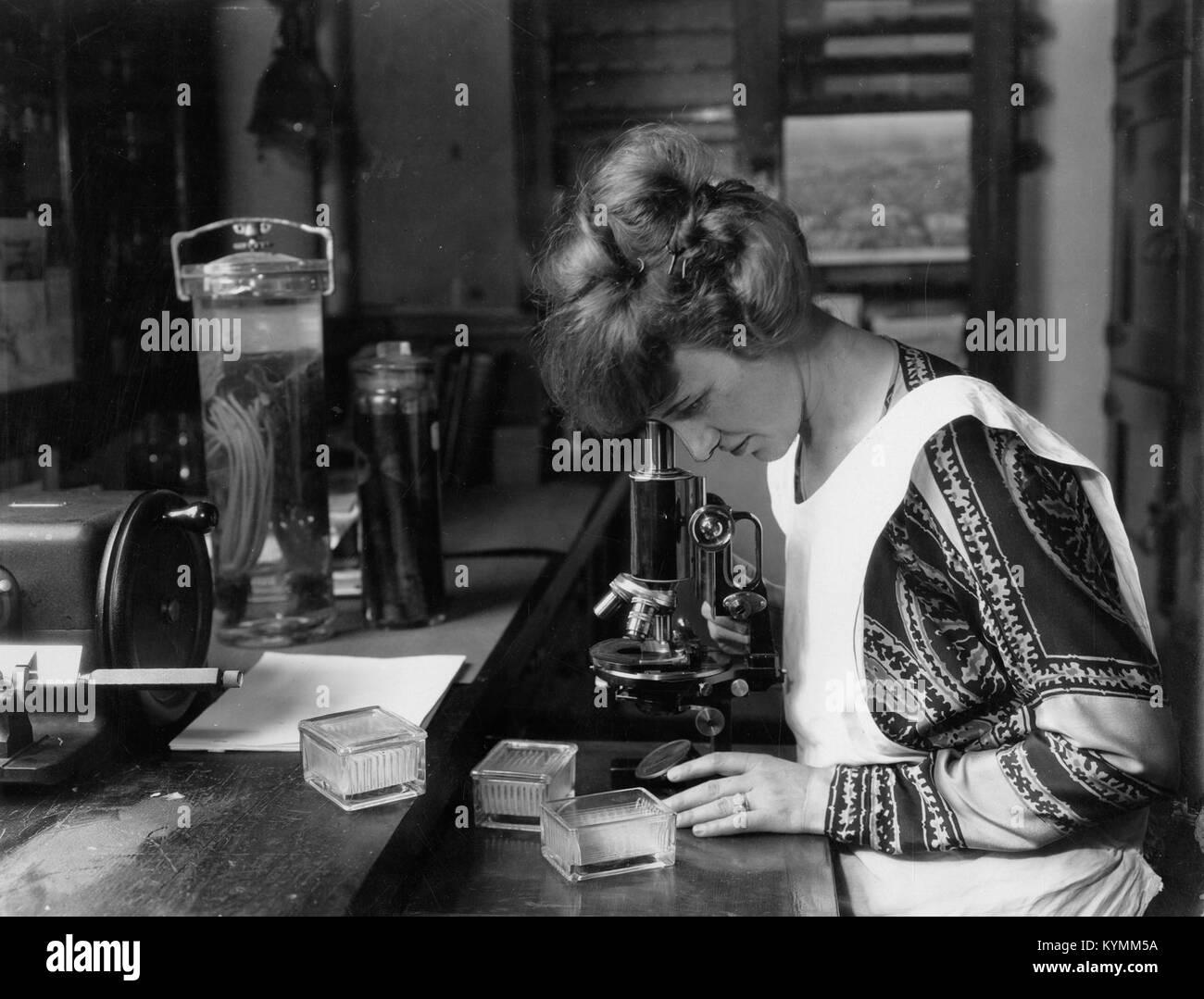 Ruth Colvin Starrett McGuire (1893-1950) 8491287425 o Stock Photo