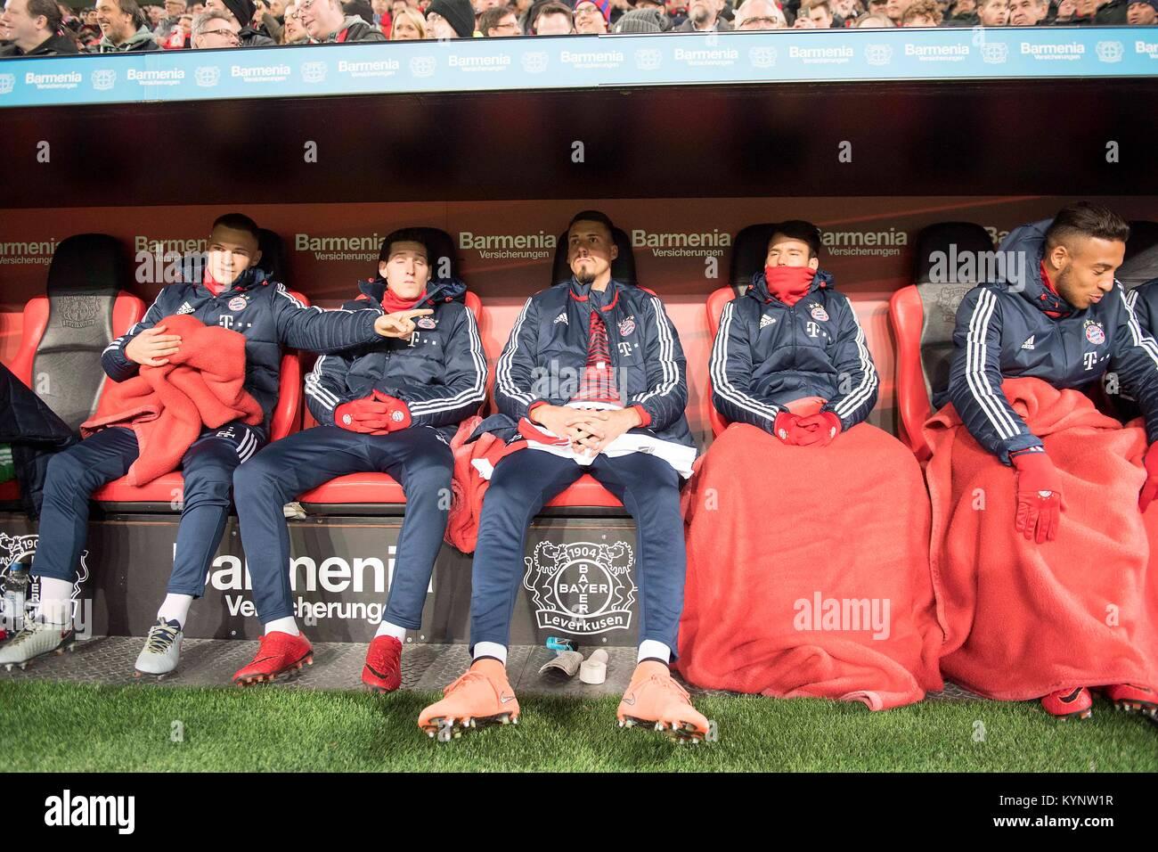 Leverkusen, Deutschland. 12th Jan, 2018. Sandro WAGNER withte (M) sitzt auf der Ersatzbank, Joshua KIMMICH l. (M) - Stock Image