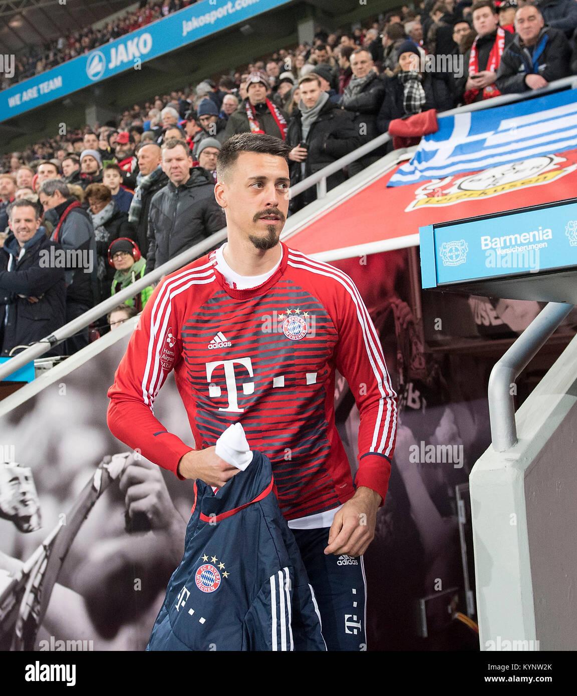Leverkusen, Deutschland. 12th Jan, 2018. Sandro WAGNER (M) auf dem Weg zur Ersatzbank Fussball 1. Bundesliga, 18. - Stock Image