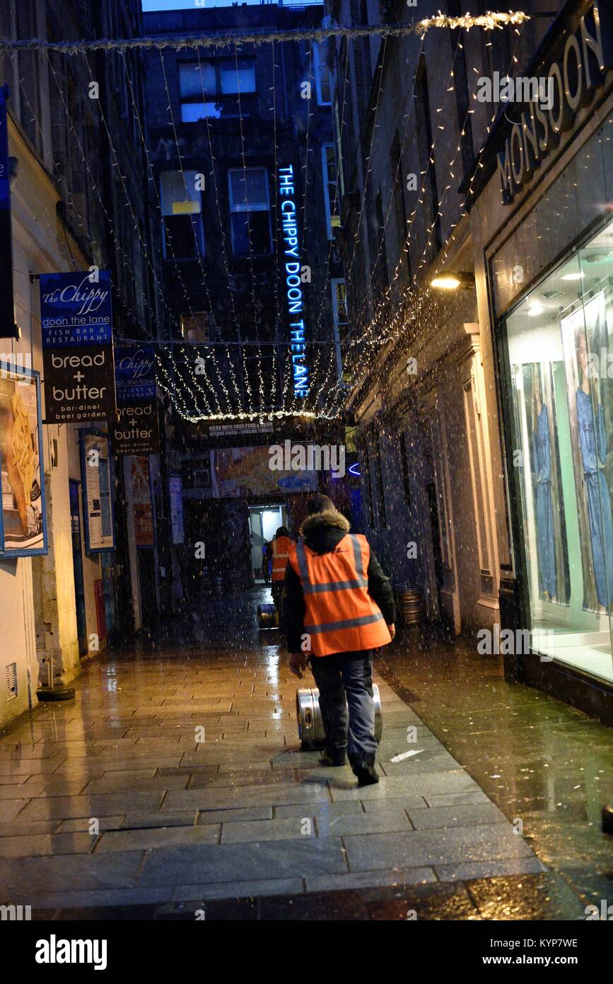 working in bad weather stock photos  u0026 working in bad