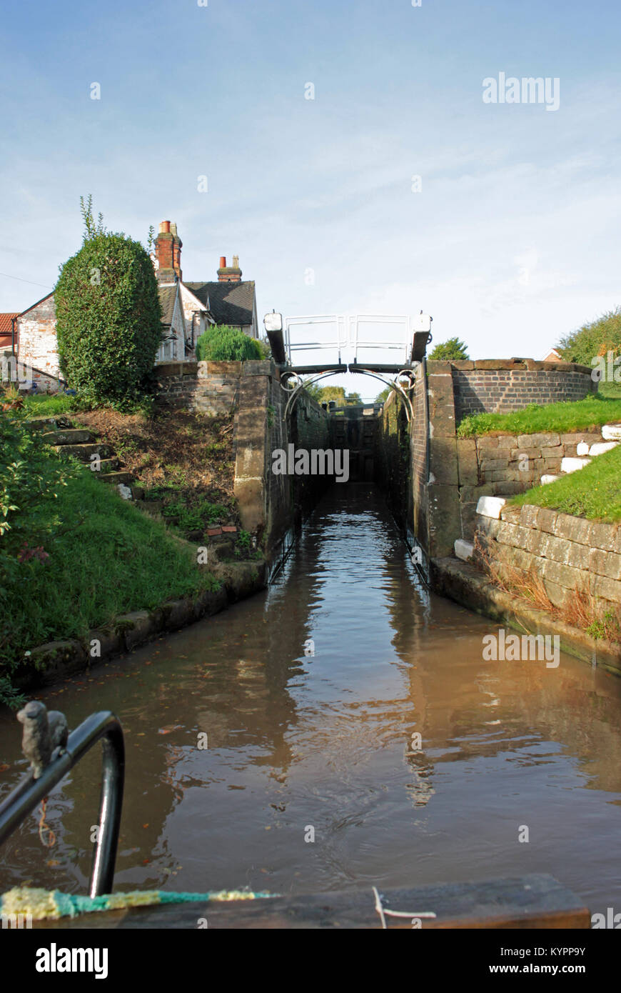 Leaving Wardle Lock 12.10.17.  The view from the back deck of narrow boat Emma Maye as the boat leaves Wardle Canal - Stock Image
