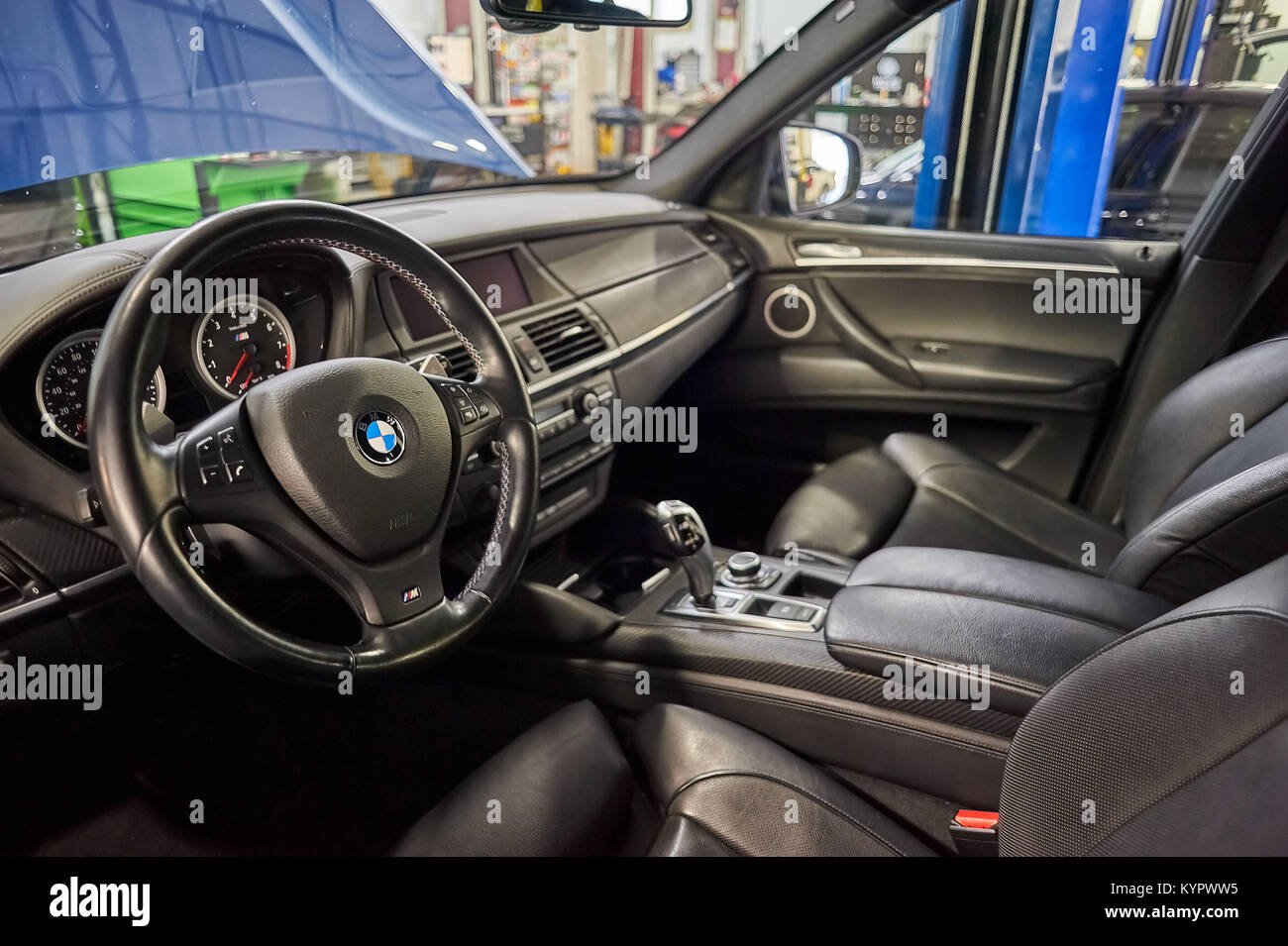 Black Bmw X5 High Resolution Stock Photography And Images Alamy