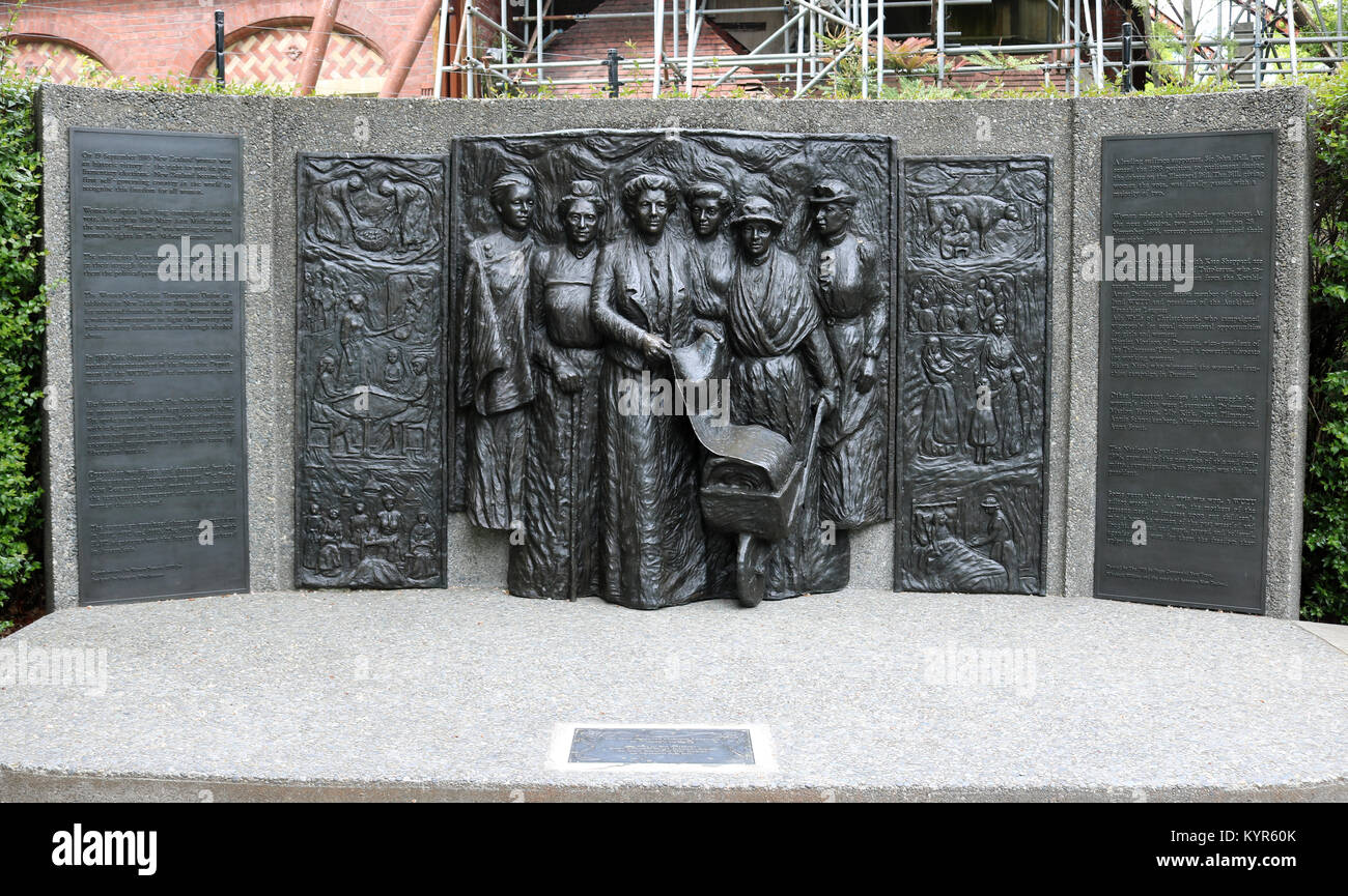 Kate Sheppard National Memorial to women's suffrage on the bank of the Avon River by Oxford Terrace in central - Stock Image