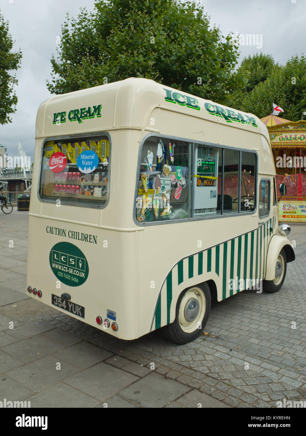 Morris J type Jtype Van Ice cream Van Classic Historic Vehicle UK - Stock Image
