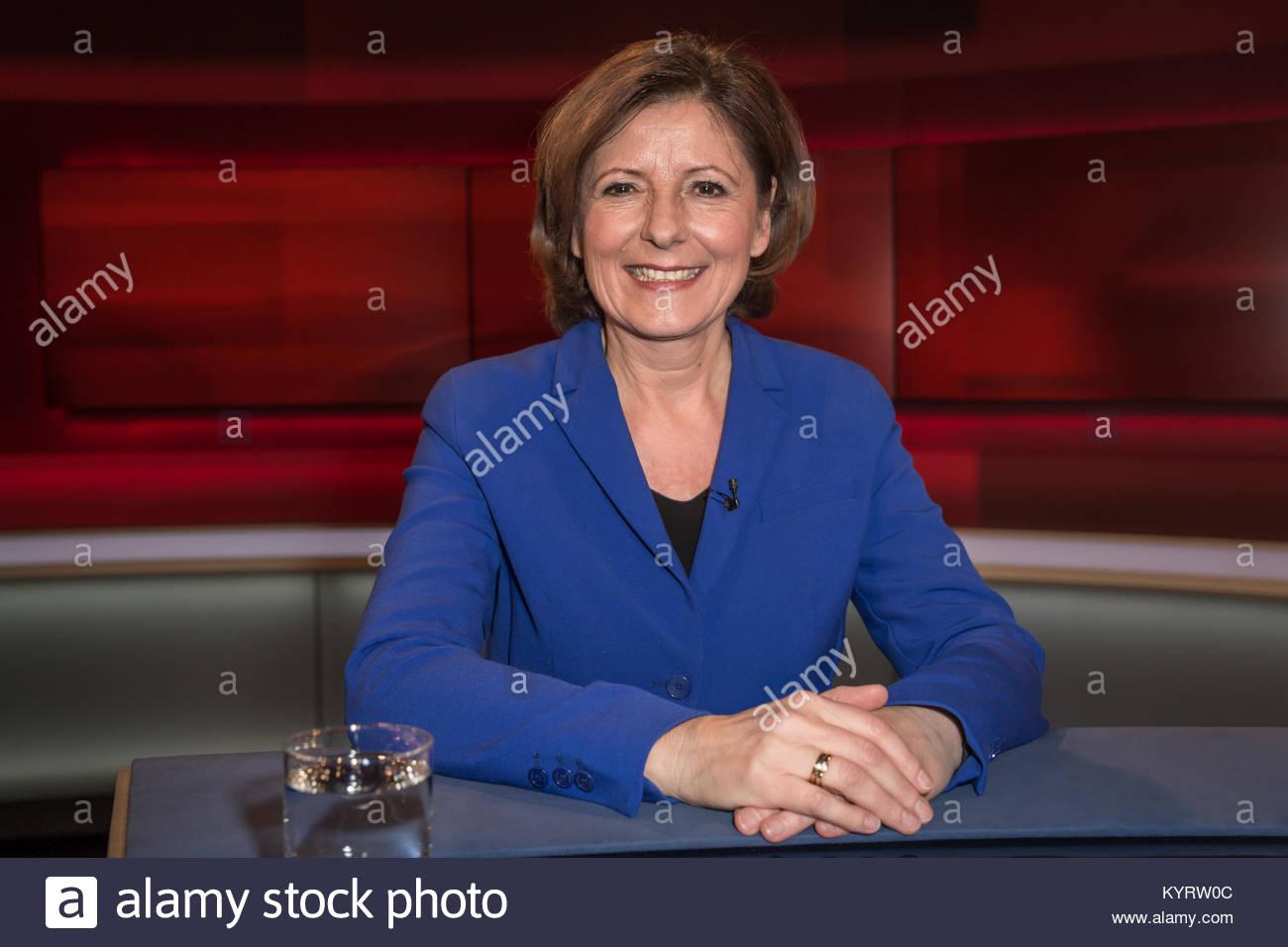 Malu Dreyer, SPD, Stellvertretende Vorsitzende sowie Ministerpraesidentin in Rheinland-Pfalz im Fernsehstudio bei - Stock Image