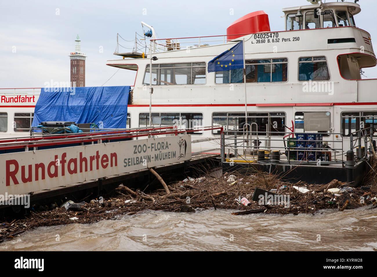 Cologne, Germany, 10. January 2018, flood of the river Rhine, flotsam at a landing stage.  Köln, Deutschland, - Stock Image