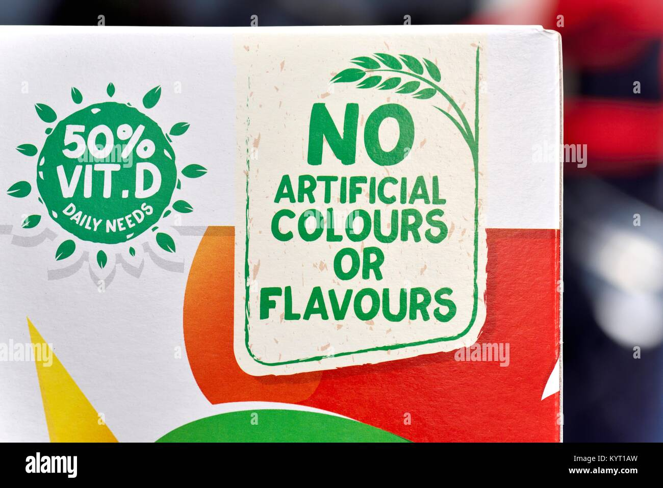 No artificial colours or flavours marketing slogan on a pack of kellogs cornflakes - Stock Image