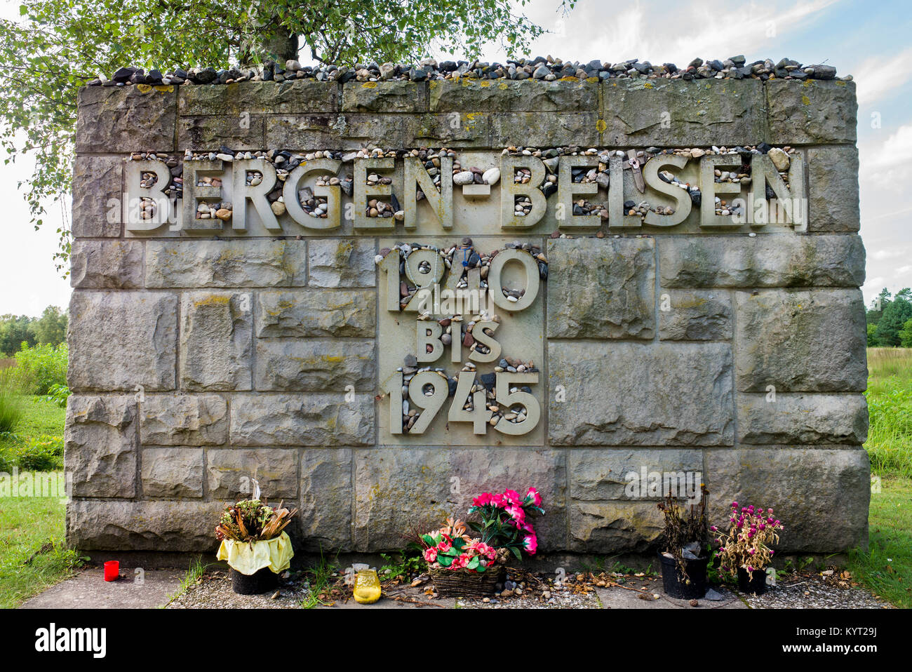jewish memorial at Belsen-Bergen 'Earth conceal not the blood shed on thee' thirty thousand jews exterminated - Stock Image