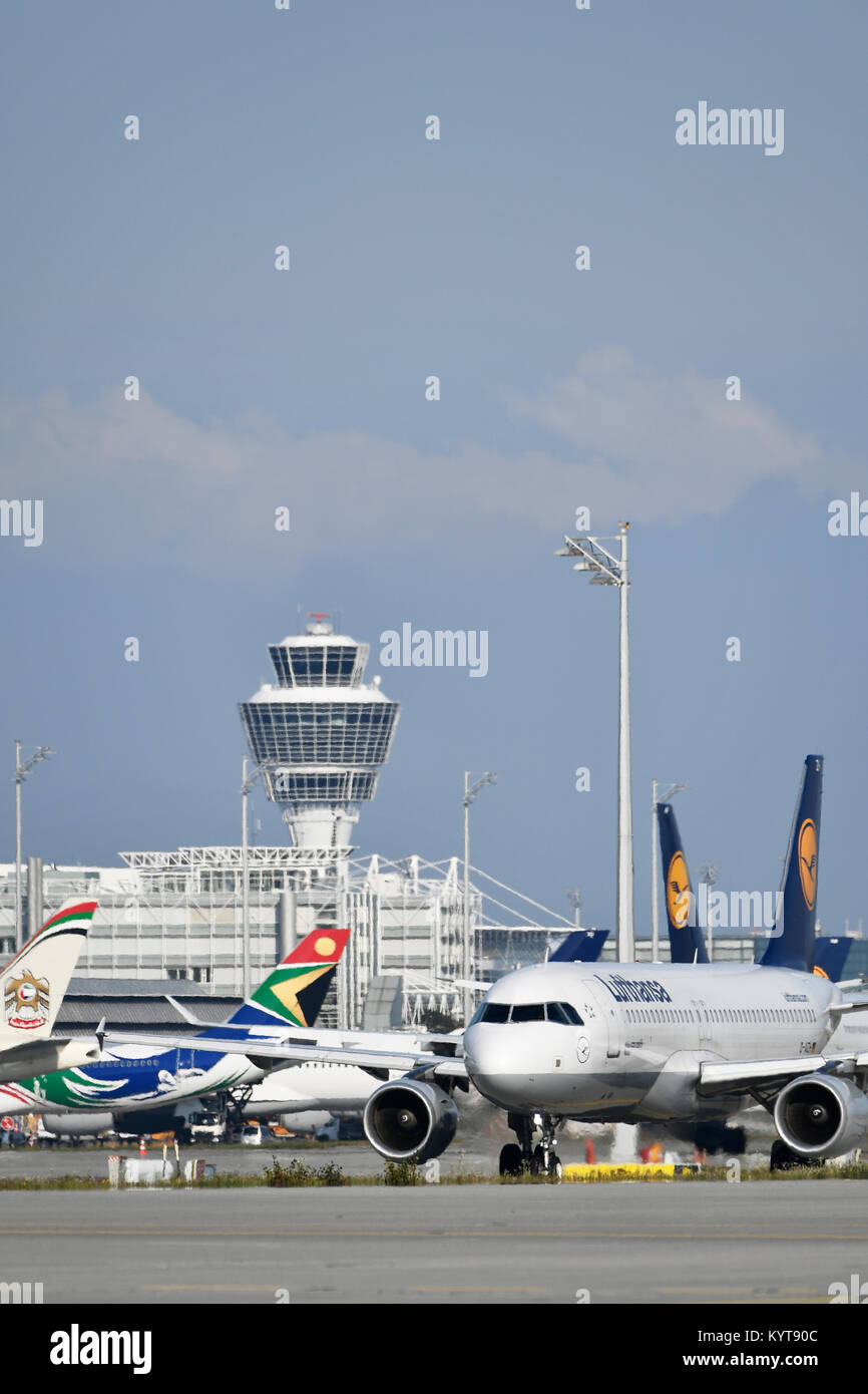Lufthansa, Airbus, A320-200, aircraft, airplane, plane, airlines, airways, roll, in, out,  Munich Airport, - Stock Image