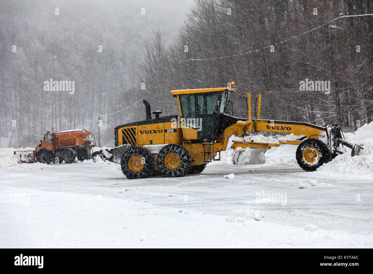 Snow Removing Stock Photos Amp Snow Removing Stock Images