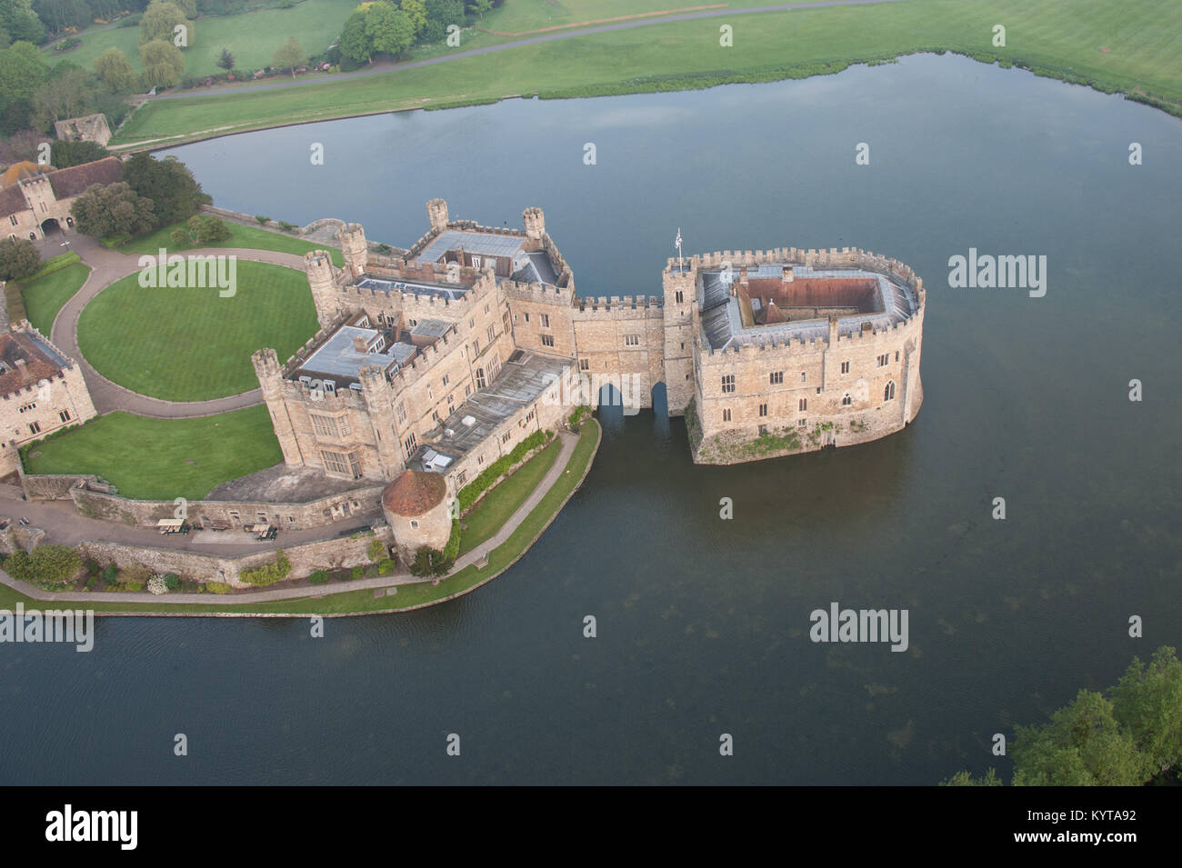 Leeds Castle, near Maidstone, Kent, UK is viewed from a hot air ballon very early in the morning - Stock Image