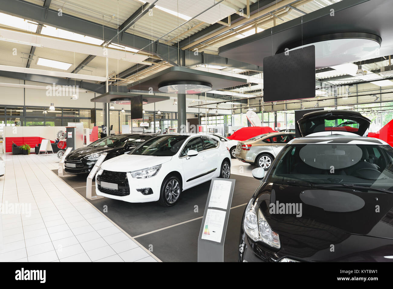 New Cars In The Sales Area Of A Car Dealership Building And Architecture Of A Car Trade Company Stock Photo Alamy