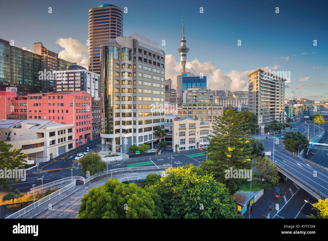 Auckland. Aerial cityscape image of Auckland skyline, New Zealand during summer day. - Stock Image