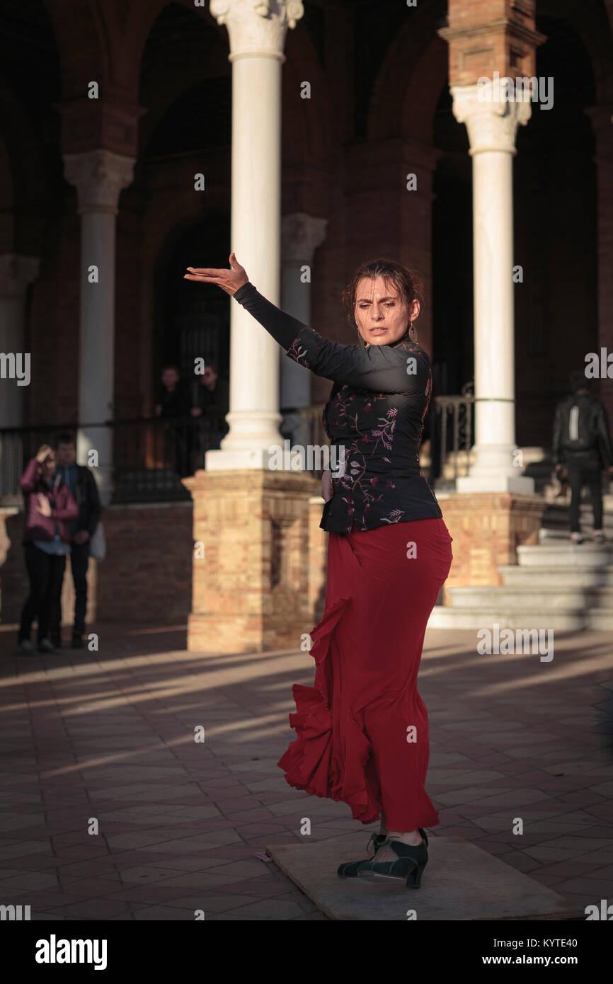 Flamenco Dancer, Plaza de España, Seville, Andalusia, Spain. - Stock Image