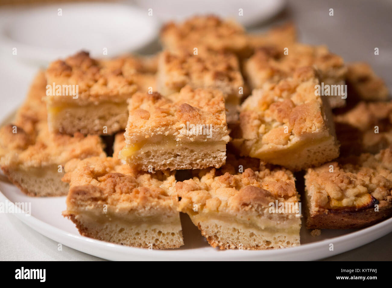 Traditional German Apple Crumble Cake 'Streuselkuchen' - Stock Image