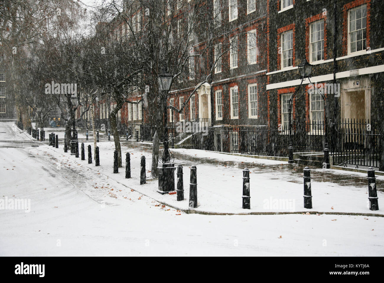 Snowing at Kings Bench Walk, Inner Temple London - Stock Image