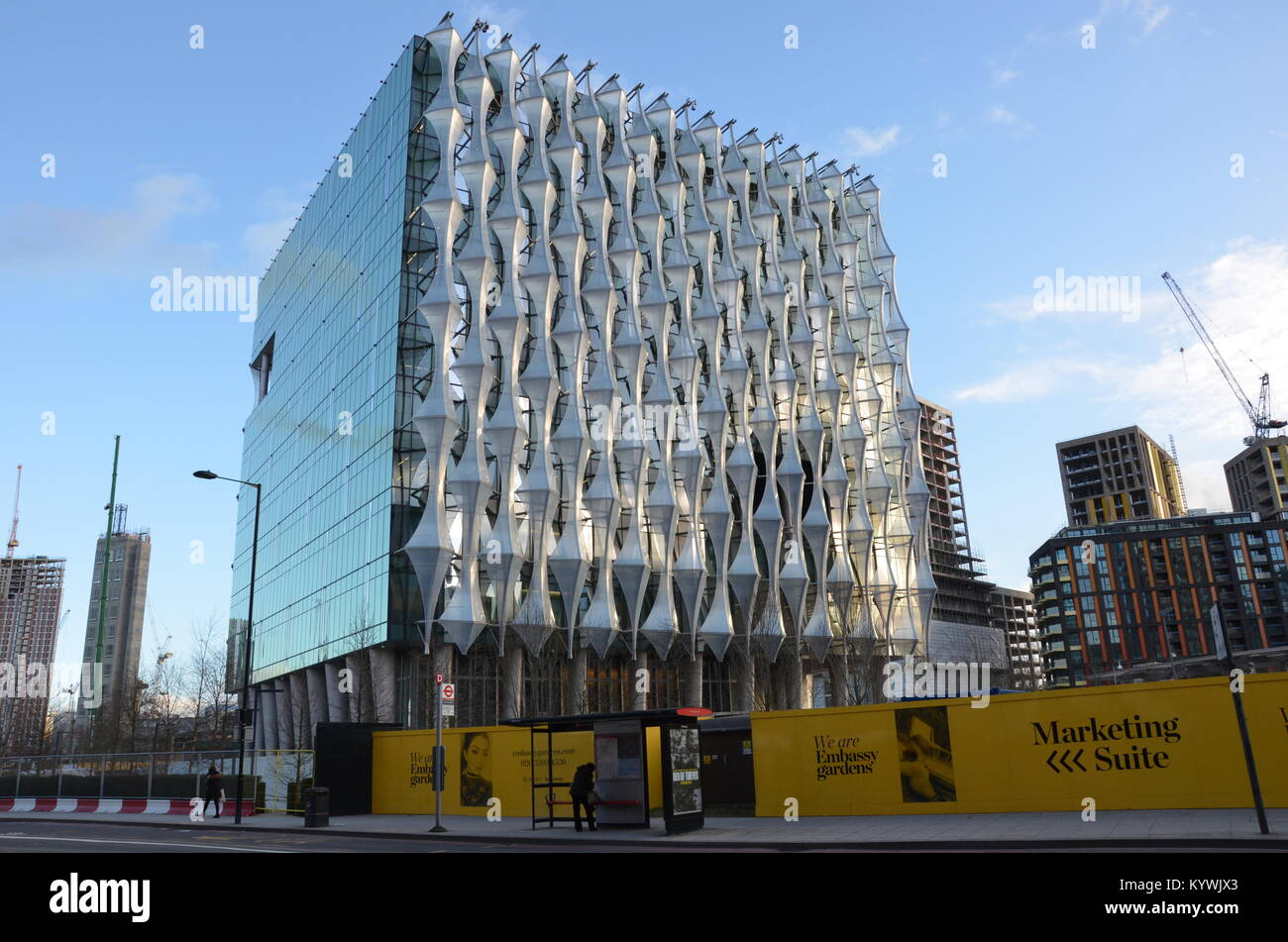 London, UK. 16th Jan, 2018. The new US Embassy in London opens to the public. 3pm, 16 January 2018. Nine Elms, Battersea, Stock Photo