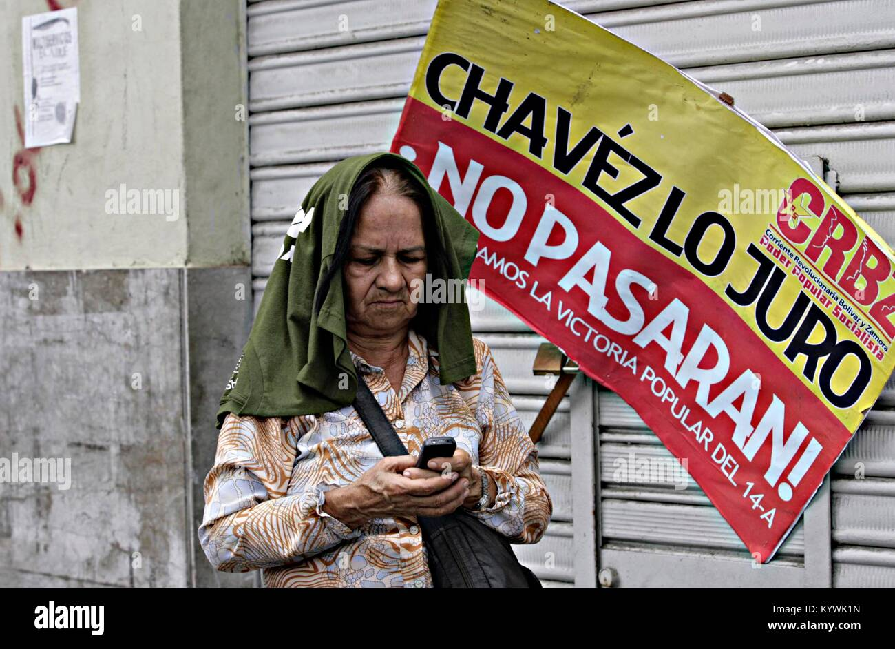 Caracas, Distrito Capital, Venezuela. 19th Apr, 2013. April 19, 2013. followers of the former presidenthavez and the ''Chavismo'', are present around the national assembly for the swearing-in of Nicolas Maduro, as president of Venezuela. Photo: Juan Carlos Hernandez Credit: Juan Carlos Hernandez/ZUMA Wire/Alamy Live News Stock Photo