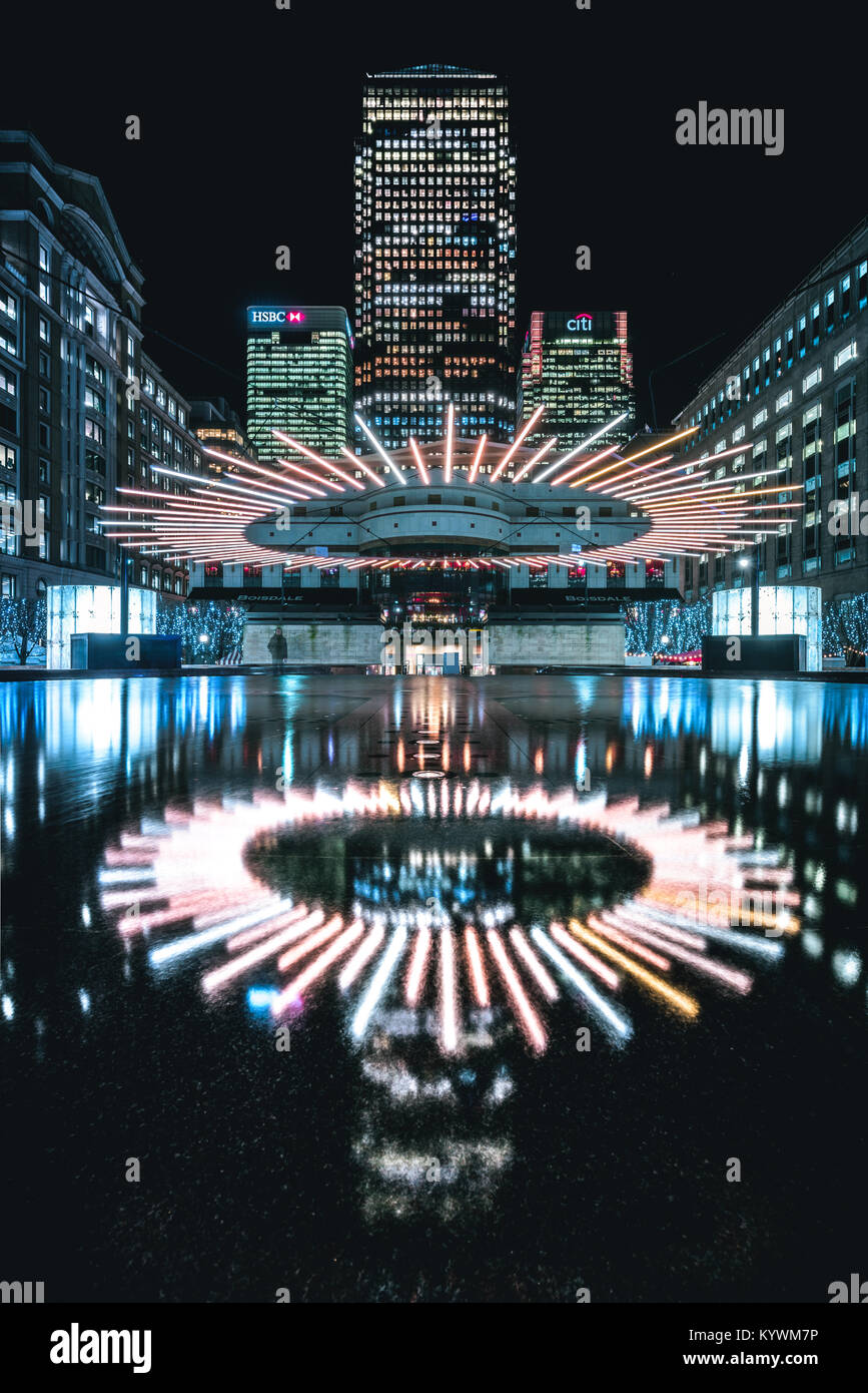 London, UK. 15th Jan, 2018. Winter Lights Festival in Canary Wharf - Halo seems to levitate above the fountain creating Stock Photo