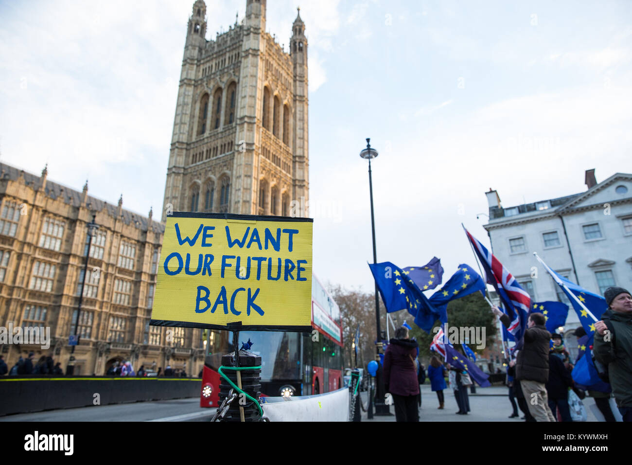 London, UK. 16th Jan, 2018. Anti-Brexit protesters from Sodem wave European Union flags and Union Jacks during a - Stock Image