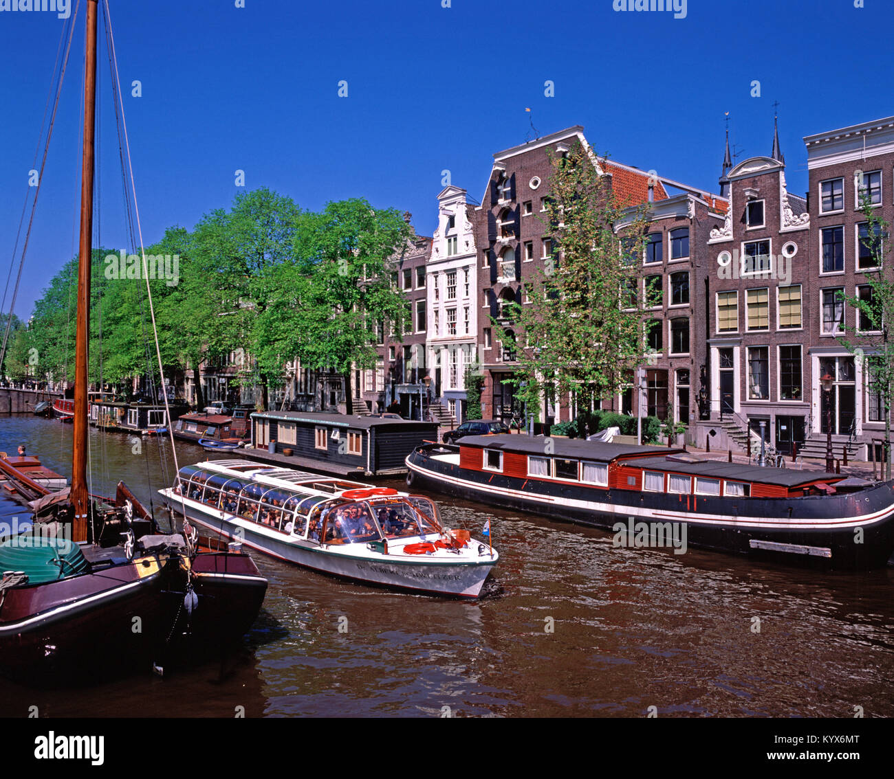 Pleasure/Tourist boat on Brouersgracht Canal, Amsterdam, Noord Holland, Netherlands - Stock Image