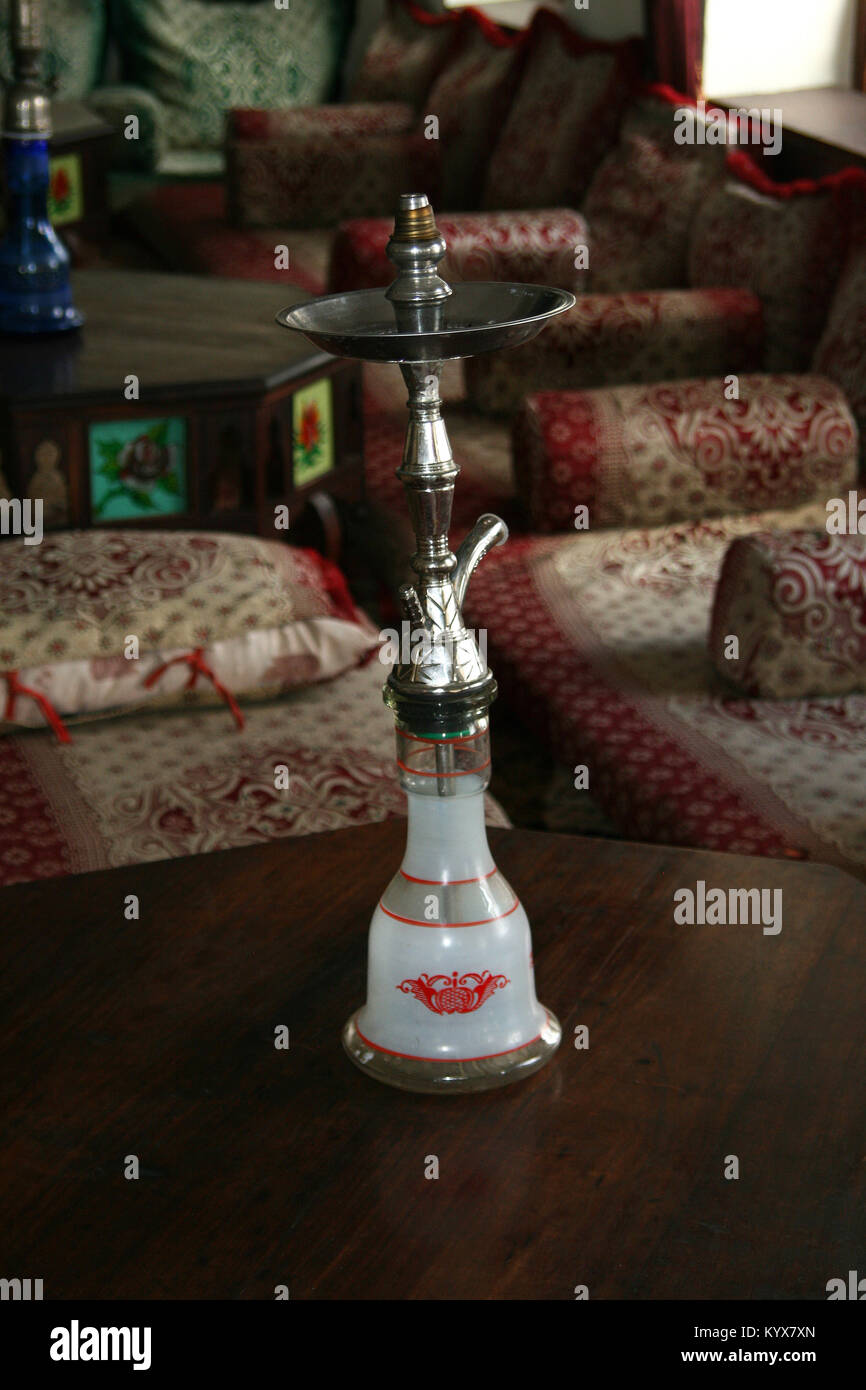 Hubbly Bubbly Stock Photos & Hubbly Bubbly Stock Images - Alamy