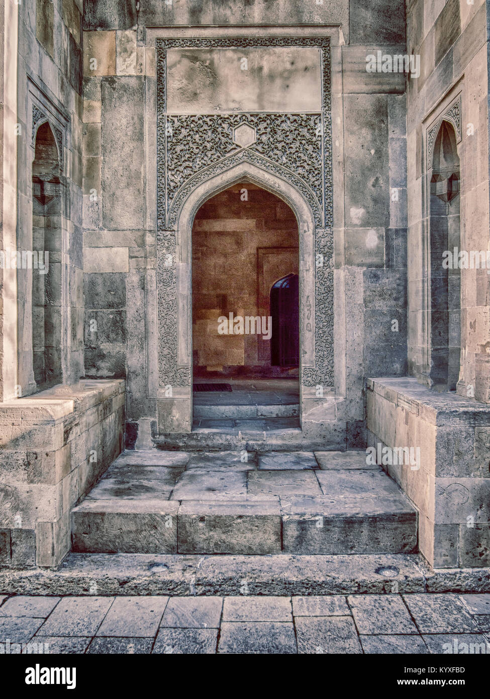 Asian style ancient archway in Baku old town - Stock Image