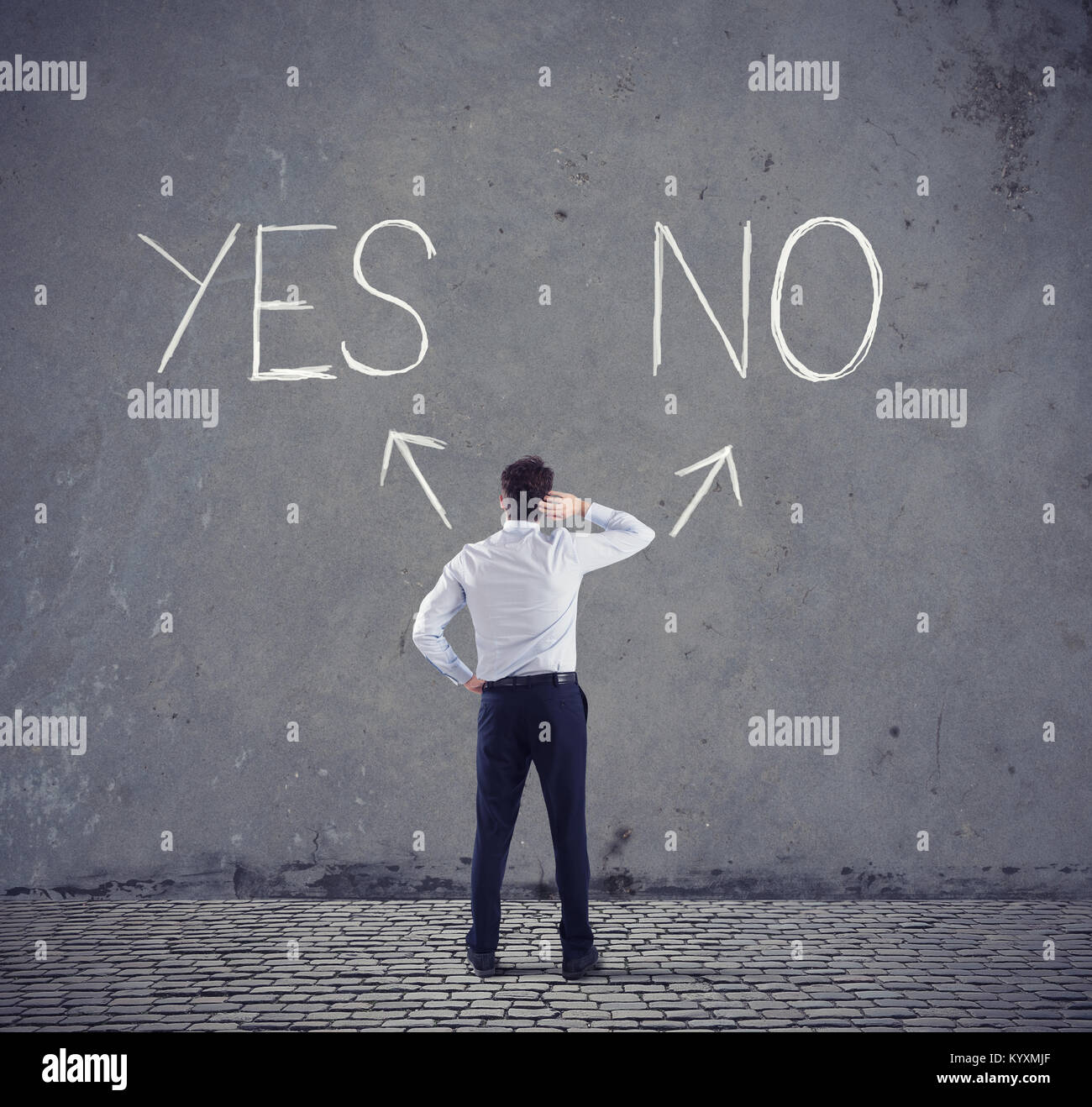 Businessman in front of a choice. yes or no - Stock Image