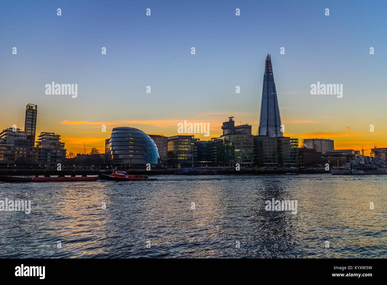 City Hall, Embankment / River Thames, London Stock Photo