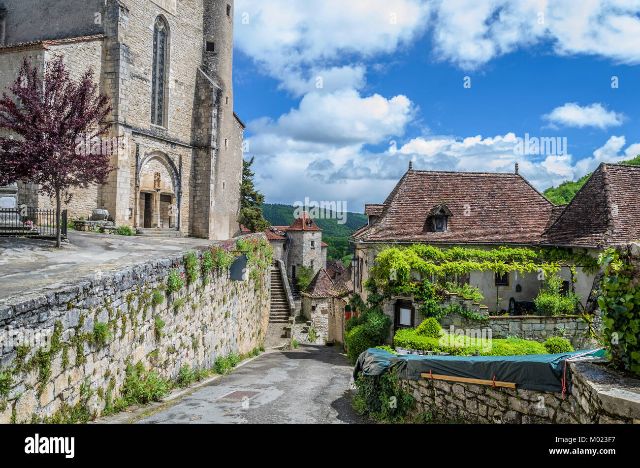 In the valley of the river Lot is the village saint cirq lapopie of which stands out its gothic style church - Stock Image