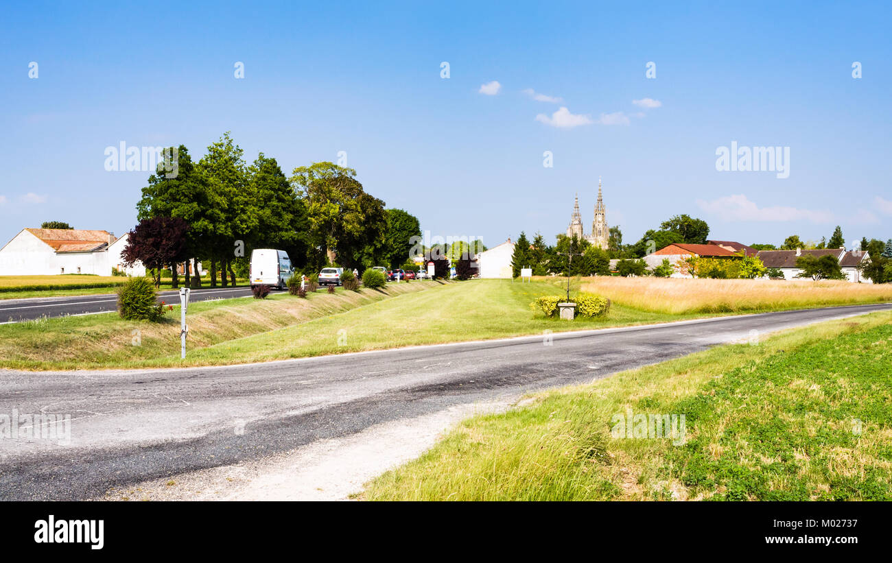 travel to France - view of commune L'Epine Marne with Basilique Notre-Dame de l'Epine in sunny summer day - Stock Image