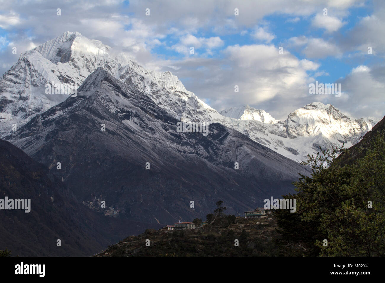 Mountain view in Everest region of Nepal. - Stock Image