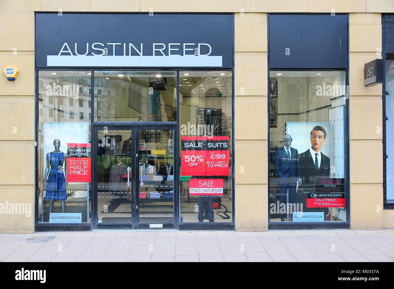 Birmingham Uk April 19 Austin Reed Boutique On April 19 2013 In Stock Photo Alamy