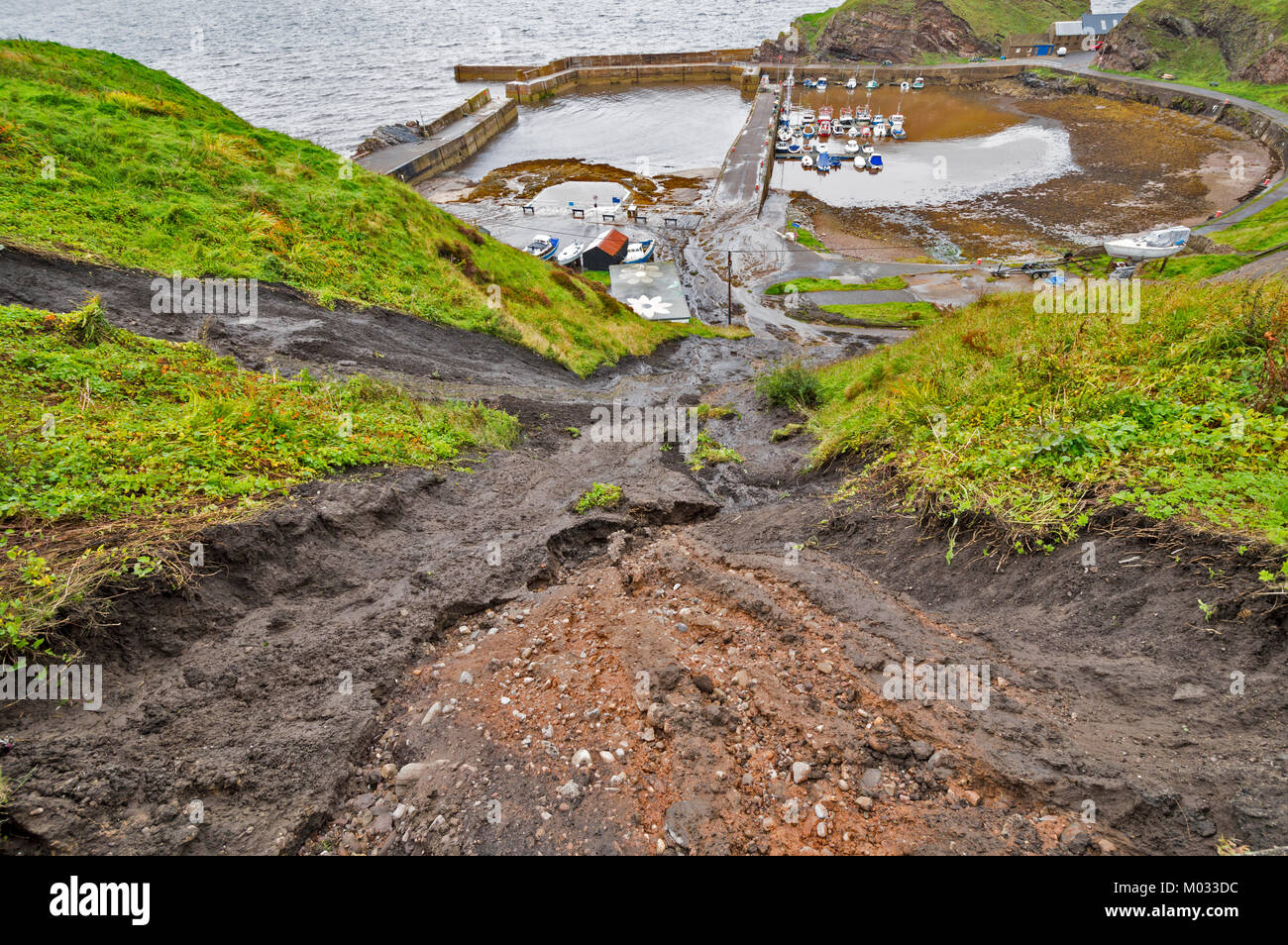 PORTKNOCKIE MORAY SCOTLAND LANDSLIPS FROM CLIFFS INTO THE HARBOUR AREA DUE TO SEVERE RAINFALL SEPTEMBER 2017 NO.2 - Stock Image