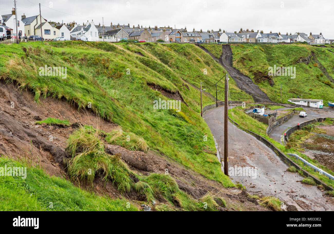 PORTKNOCKIE MORAY SCOTLAND LANDSLIPS FROM CLIFFS INTO THE HARBOUR AREA DUE TO SEVERE RAINFALL SEPTEMBER 2017 NO.5 - Stock Image