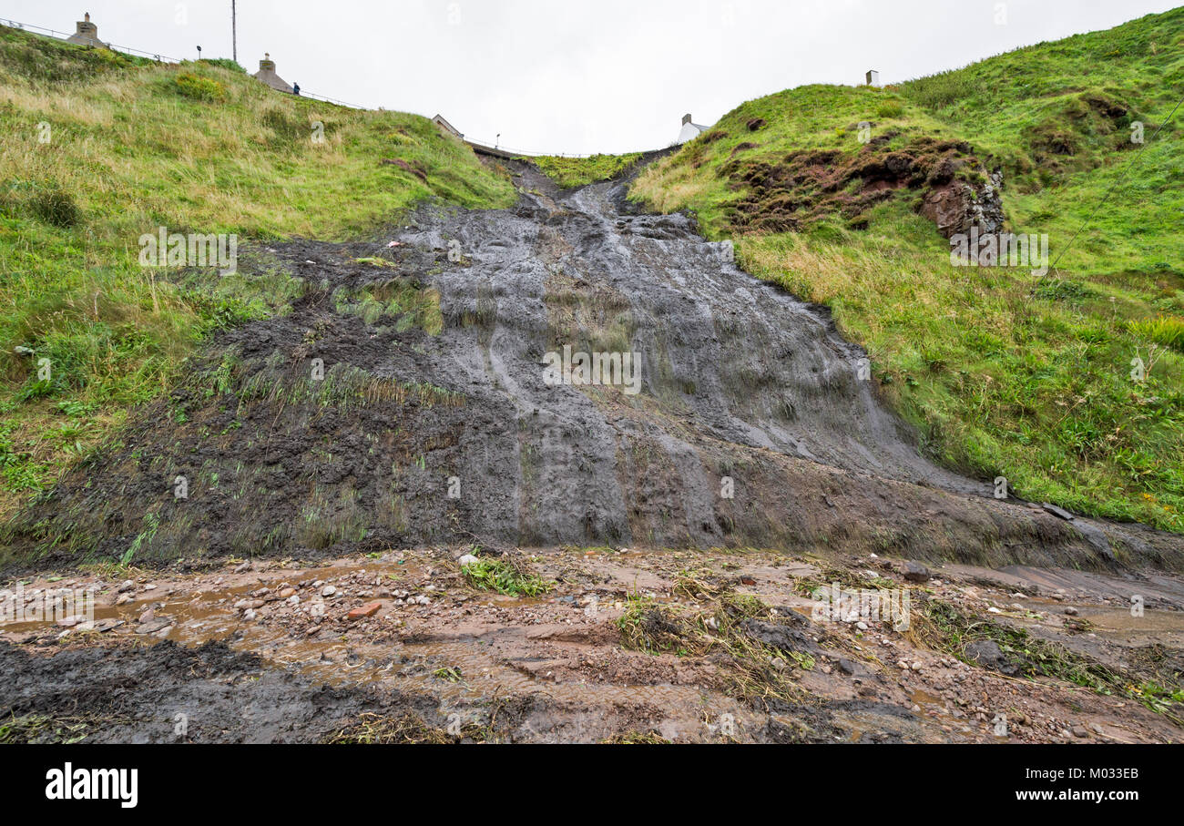 PORTKNOCKIE MORAY SCOTLAND LANDSLIPS FROM CLIFFS INTO THE HARBOUR AREA DUE TO SEVERE RAINFALL SEPTEMBER 2017 NO.7 - Stock Image