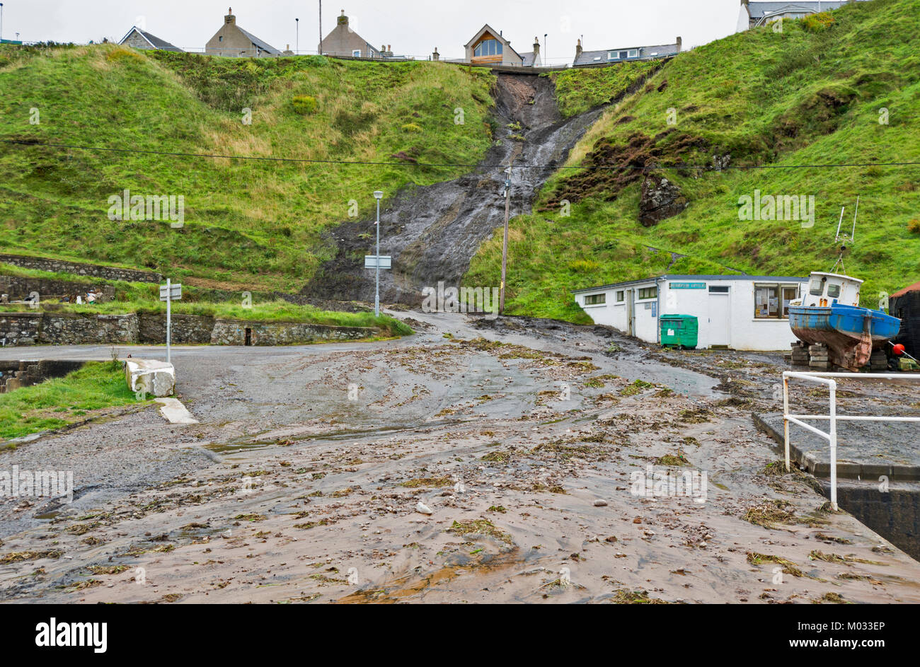 PORTKNOCKIE MORAY SCOTLAND LANDSLIPS FROM CLIFFS INTO THE HARBOUR AREA DUE TO SEVERE RAINFALL SEPTEMBER 2017 NO.9 - Stock Image