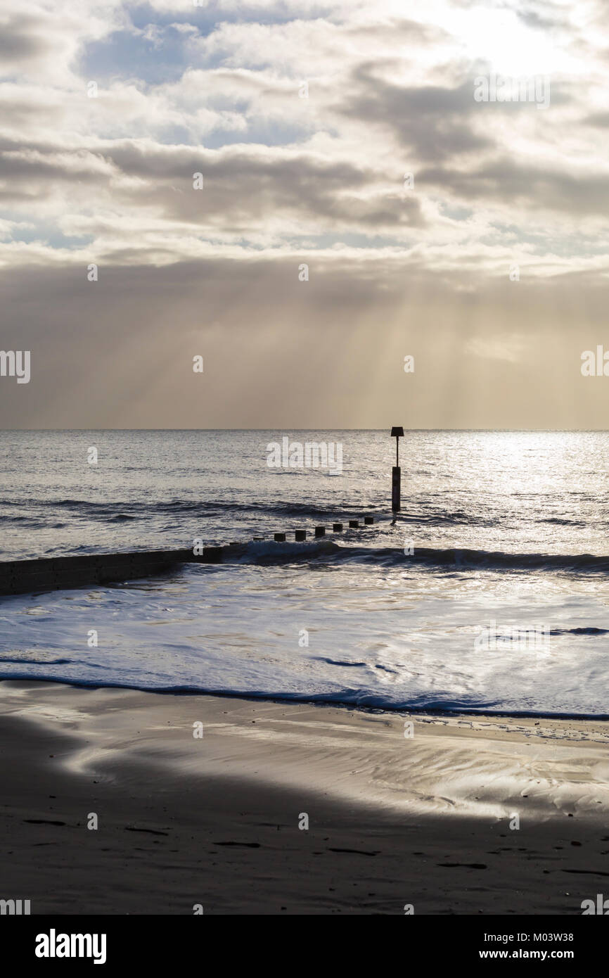 Bournemouth, Dorset, UK. 18th Jan, 2018. UK weather: after a very windy night a lovely sunny day at Bournemouth Stock Photo