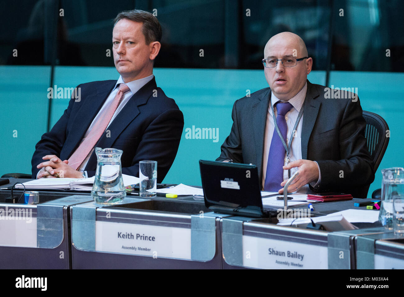 London, UK. 18th Jan, 2018. Keith Prince (r), Conservative London Assembly Member, asks a question to Mayor of London - Stock Image