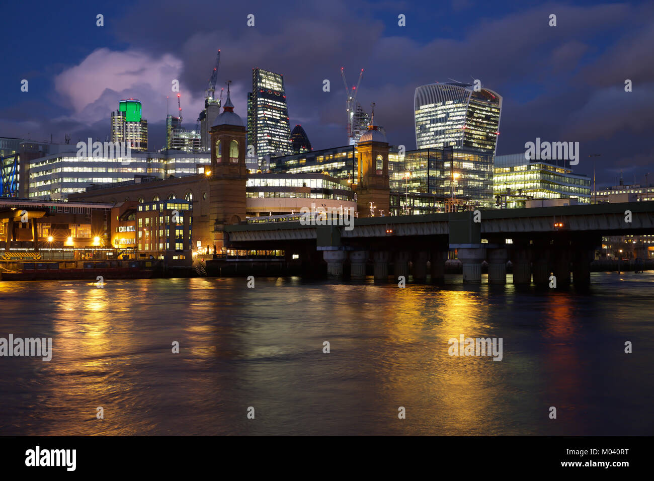 London, UK. 18th Jan, 2018. London skyline illuminated early evening Credit: Keith Larby/Alamy Live News - Stock Image