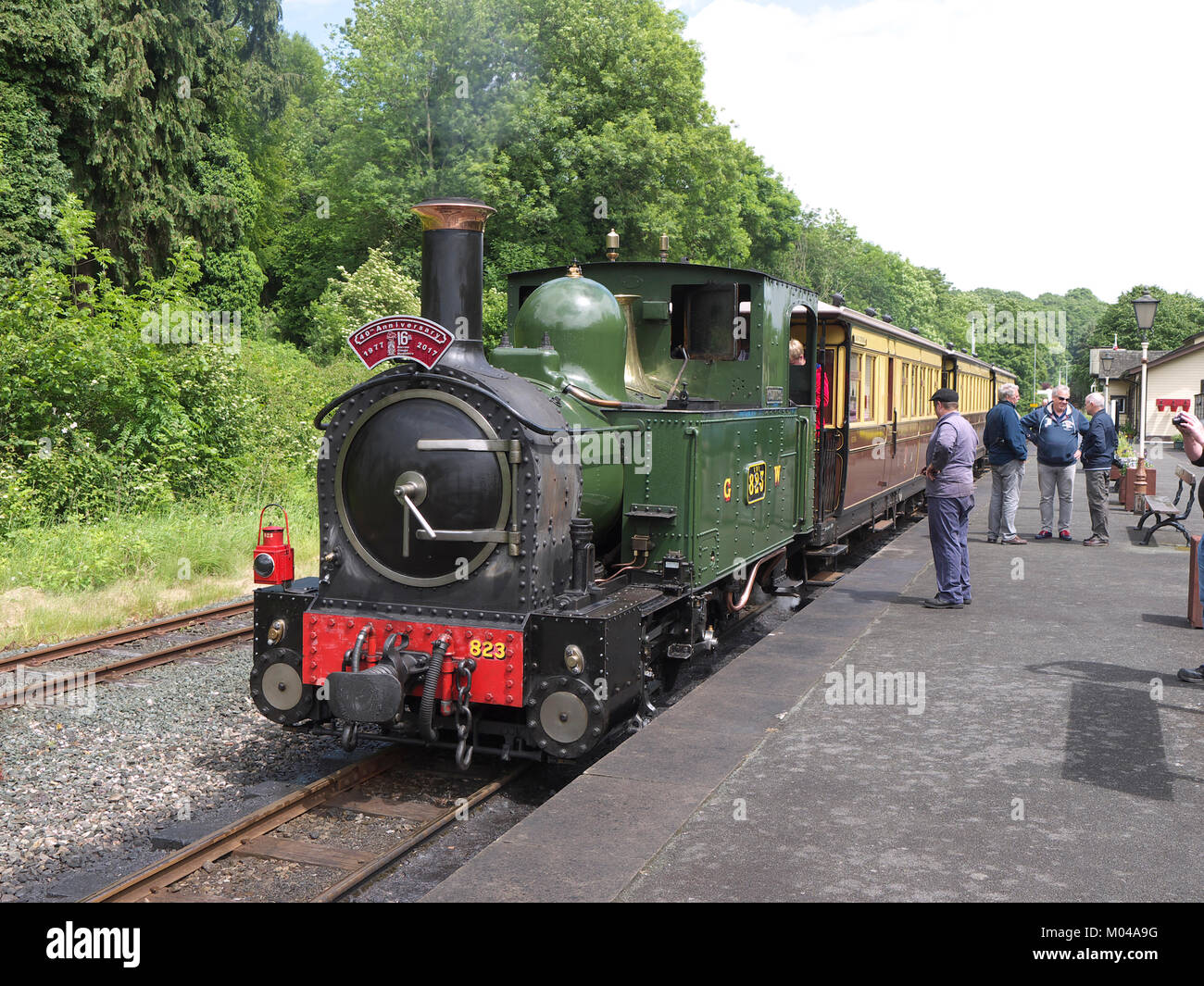 Train ready to depart Welshpool station - Stock Image